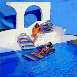 Pool Lounger Pop